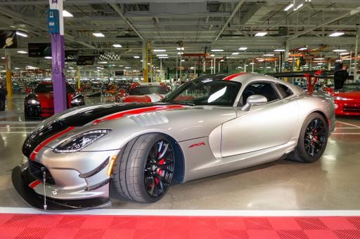 Dodge Redirects Attention to Viper With 2016 ACR Version