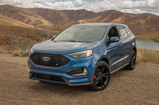Ford Edge St Mashes Up Performance And Practicality