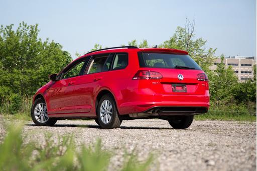 2015 Volkswagen Golf SportWagen Makes Installing Car Seats Easy