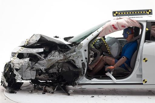 2016 Chevrolet Malibu Earns IIHS Top Safety Pick Plus