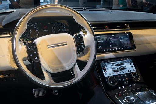 Hands On With Land Rover Range Rover Velar Touchscreens