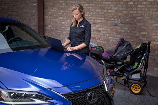 How Do Car Seats Fit in a 2019 Lexus ES 350?