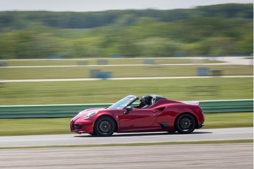 Alfa Romeo 4C Spider: Pro on the Track, Pain on the Street