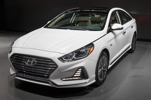 2018 Hyundai Sonata Hybrid at the Chicago Auto Show: Photo Gallery
