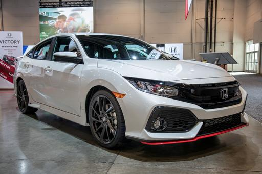 Honda Rocks Souped-Up Civics at SEMA: Photo Gallery