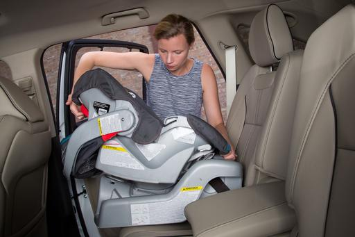 How Do Car Seats Fit in a 2018 Acura MDX Sport Hybrid?