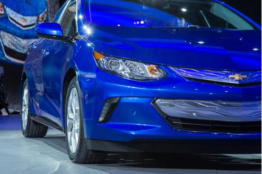 Chevrolet Boosts Range of 2016 Volt by 40 Percent