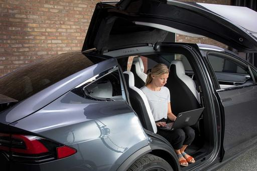 How Do Car Seats Fit in a 2018 Tesla Model X?