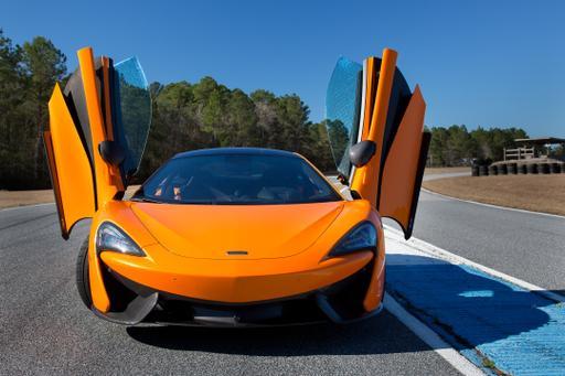 2016 McLaren 570S Photo Gallery