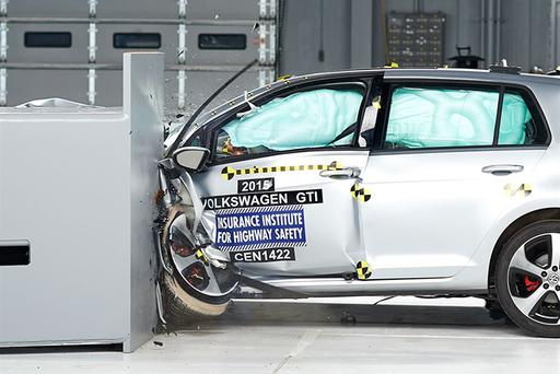 2016 VW Golf, SportWagen, GTI and Jetta Get Top IIHS Safety Rating