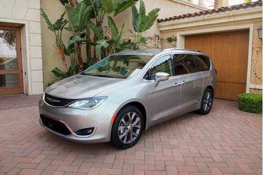 2017 Chrysler Pacifica First Drive: Mom Tested, Kid Approved
