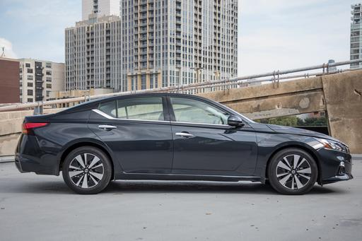 Top 5 Reviews and Videos of the Week: 2019 Nissan Altima Holds Its Own