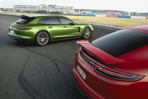 Panamera GTS, Panamera GTS Sport Turismo Punch Up Porsche Lineup
