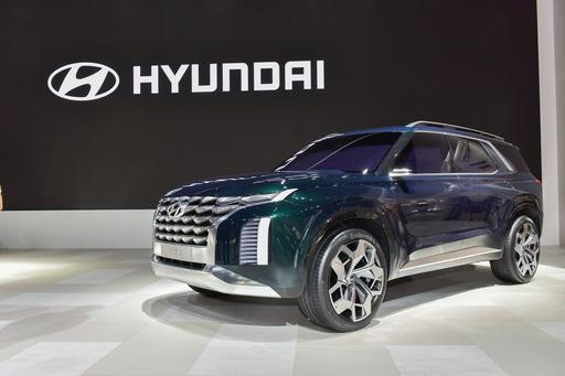 Hyundai's HDC-2 Grandmaster Concept Shows New Design Direction, Little Flash