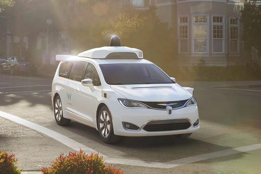Waymo Orders Way Mo' Chrysler Pacificas for Self-Driving Ride Service