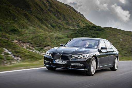 BMW Adds Plug-In Hybrid to 7 Series Lineup