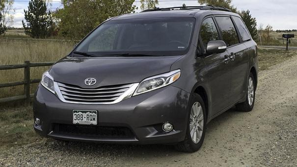2015 toyota sienna overview. Black Bedroom Furniture Sets. Home Design Ideas