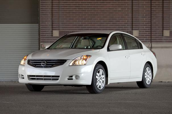 2012 Nissan Altima Overview  Carscom
