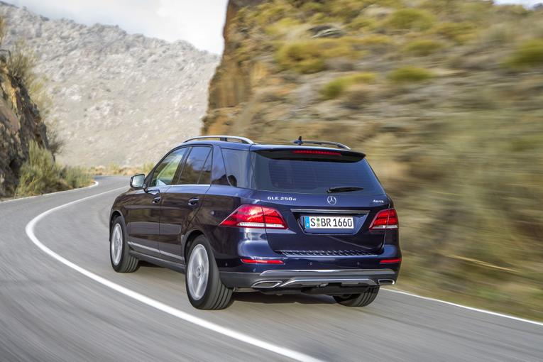 2016 mercedes benz gle class first look for Mercedes benz gle 300d review