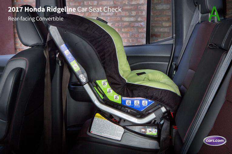 2017 Honda Ridgeline Car Seat Check