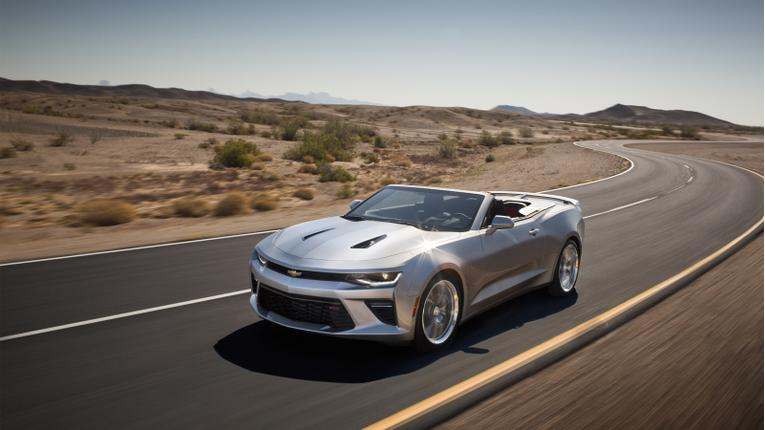 2016 Chevrolet Camaro Convertible Drops Top Remotely