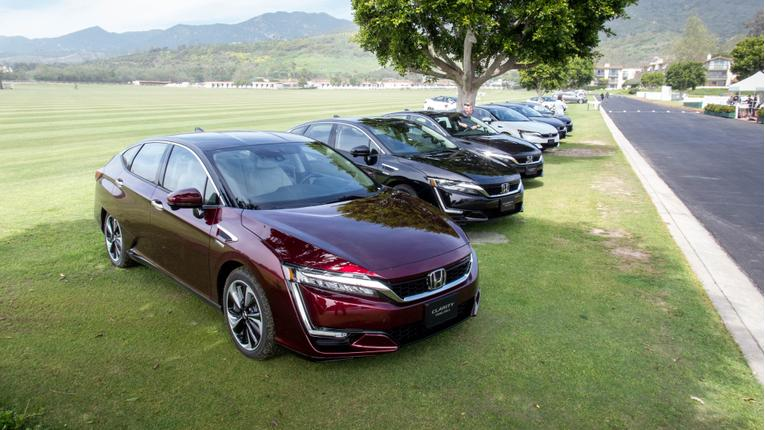 2017 Honda Clarity Fuel Cell Review: First Drive