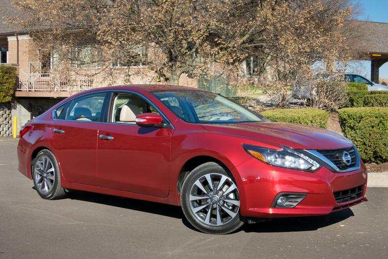 Luxury 2016 Nissan Altima First Drive