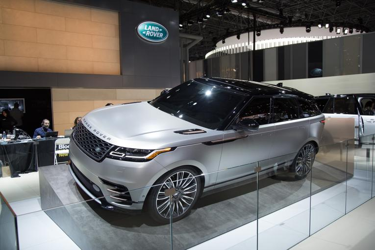 Excellent 2018 Land Rover Range Rover Velar Review Photo Gallery