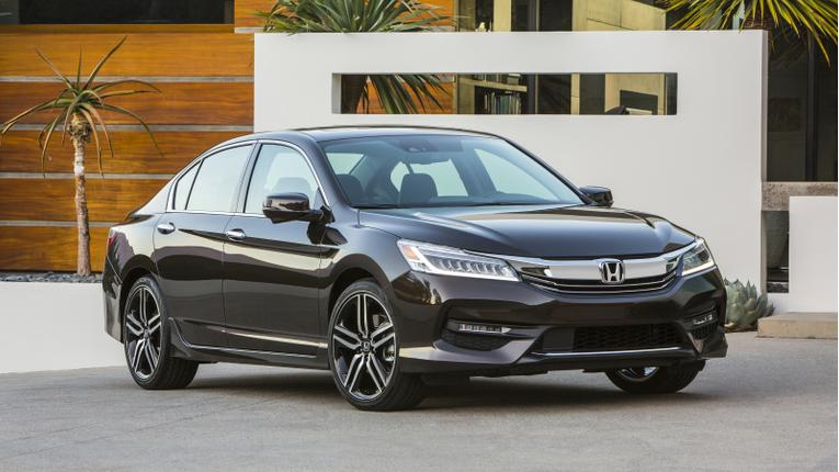 2016 Honda Accord Gets New Look, Apple and Android Friendly