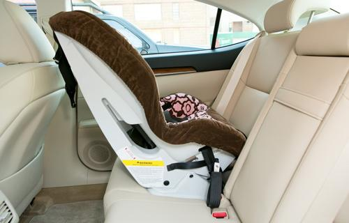 2013 lexus es 350 and 300h car seat check. Black Bedroom Furniture Sets. Home Design Ideas