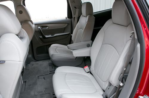 Which 2013 Three Row Suvs Offer Second Row Captain S Chairs