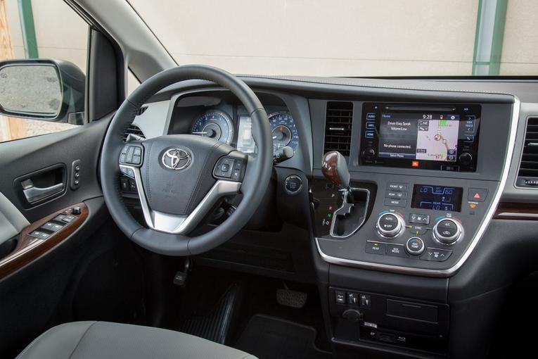 2015 Toyota Sienna;