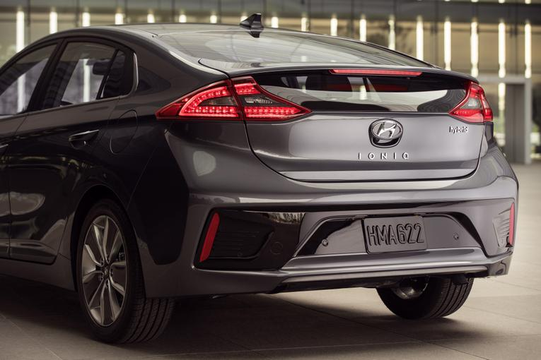 Cool 2017 Hyundai Ioniq First Look