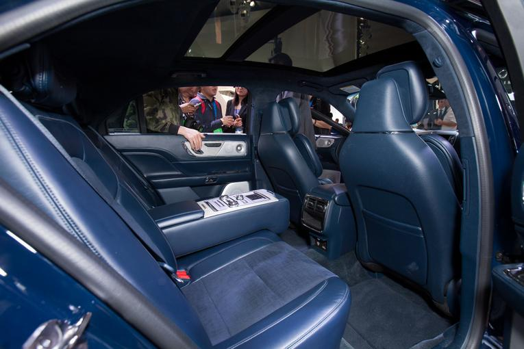 2017 lincoln continental photo gallery. Black Bedroom Furniture Sets. Home Design Ideas