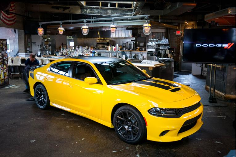 Dodge Unveils 2017 Challenger T/A, Charger Daytona