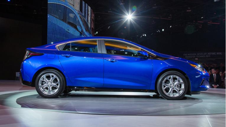 Chevrolet Drops Price on 2016 Volt
