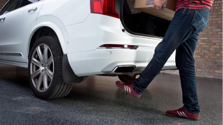 Is the Volvo XC90's Hands-Free Liftgate Easy to Use?