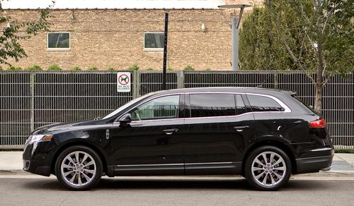 Lincoln Mkt Town Car: Lincoln Replaces Town Car Limousine With MKT