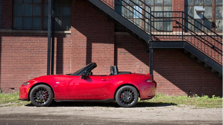 Easy Street: The 2016 Mazda MX-5 Miata's New Top