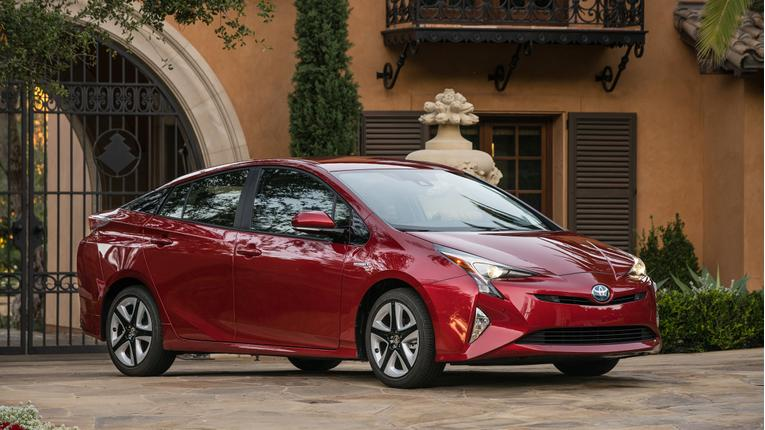 Cars.com Earth Day Data Finds Eco-Cars Struggling