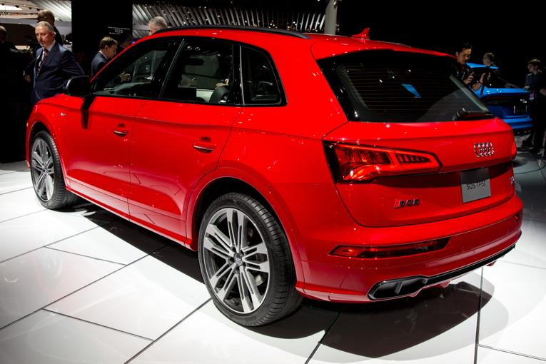 2018 audi sq5 review photo gallery. Black Bedroom Furniture Sets. Home Design Ideas