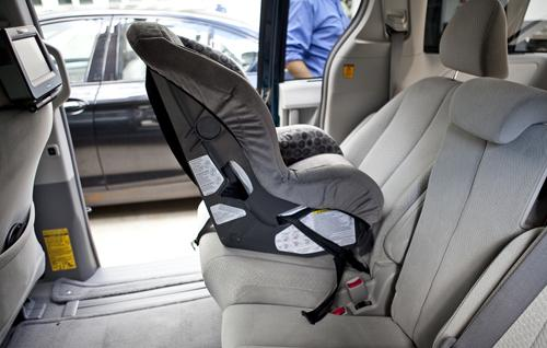 2011 toyota sienna car seat check. Black Bedroom Furniture Sets. Home Design Ideas