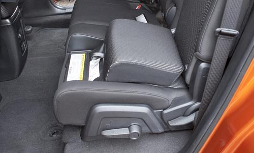 how do the dodge journey 39 s integrated booster seats work. Black Bedroom Furniture Sets. Home Design Ideas