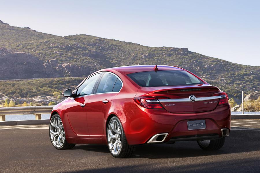2014 Buick Regal Photo 2 of 18