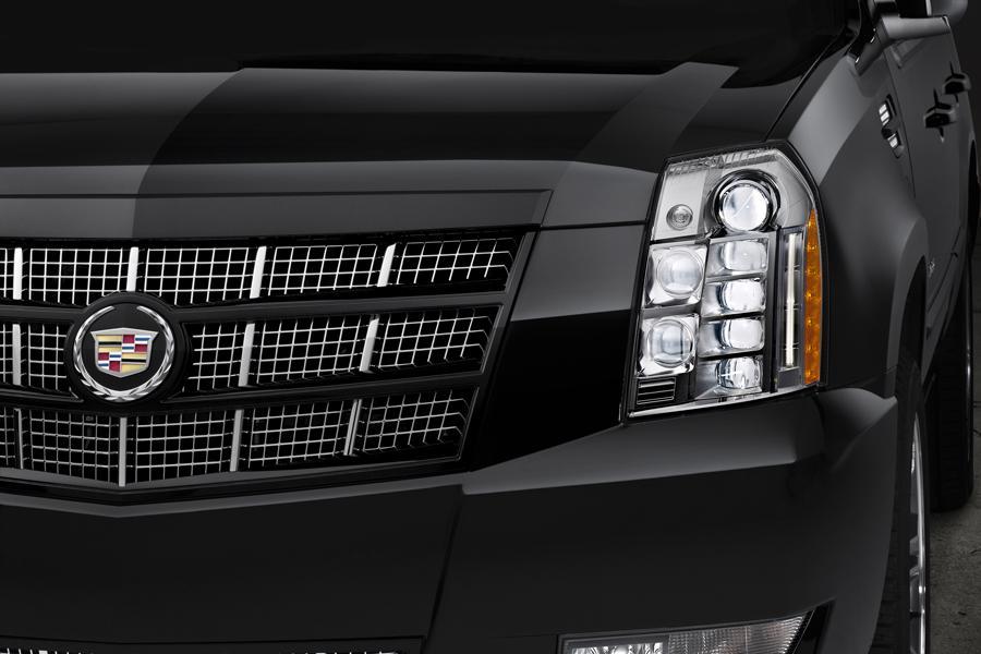 2014 Cadillac Escalade ESV Photo 4 of 5