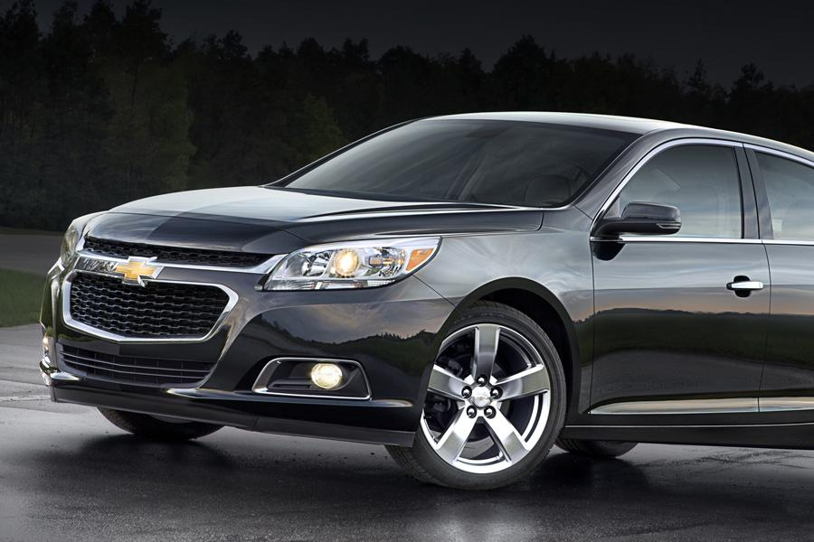 2014 Chevrolet Malibu Photo 2 of 15