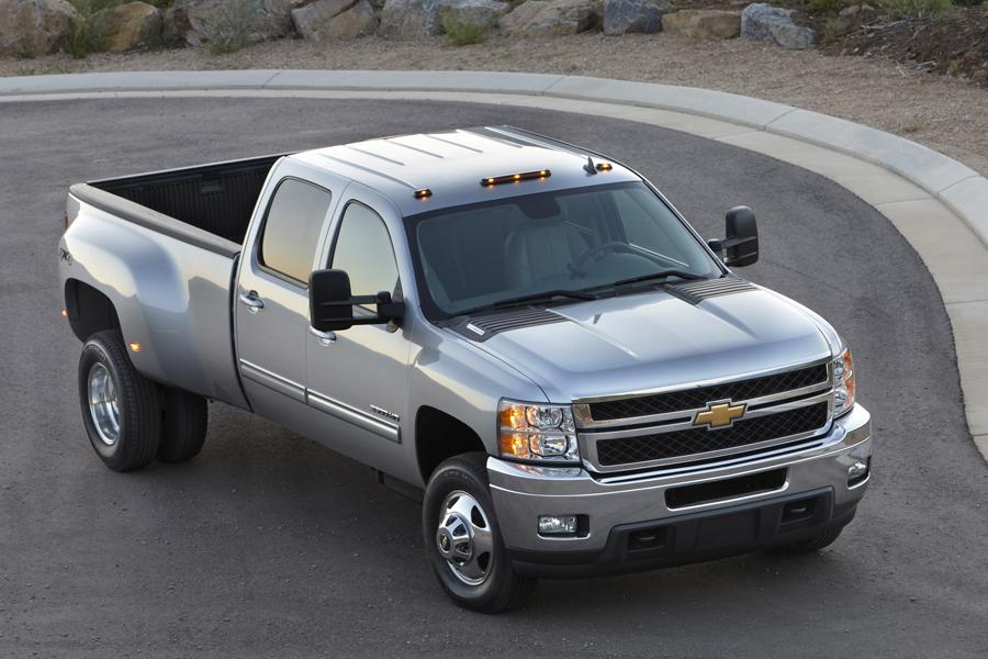2014 Chevrolet Silverado 3500 Photo 2 of 6