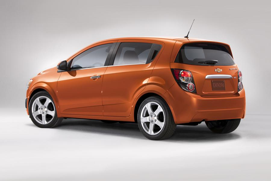 2014 Chevrolet Sonic Photo 3 of 15
