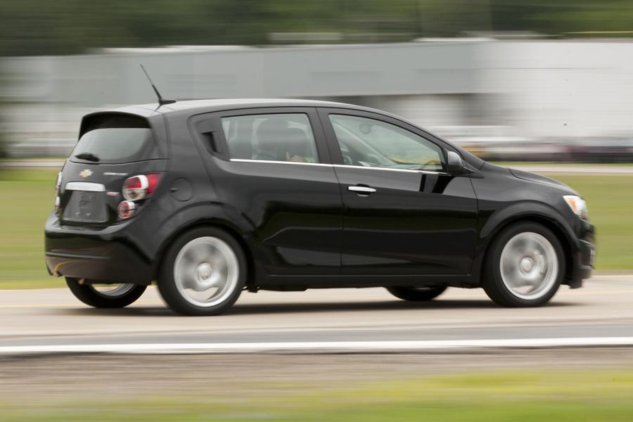 2014 Chevrolet Sonic Photo 2 of 15