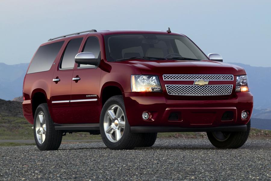 2014 Chevrolet Suburban Photo 2 of 4